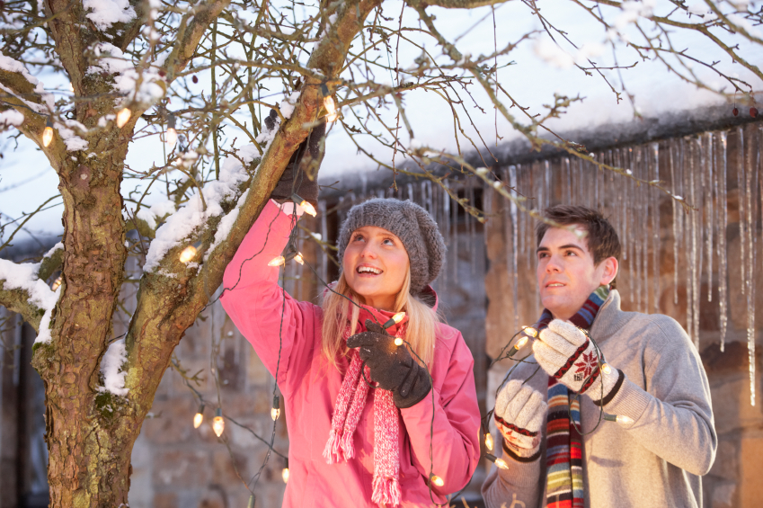 How To Hang Outdoor Christmas Lights.Tips For Hanging Outdoor Christmas Lights Blain S Farm
