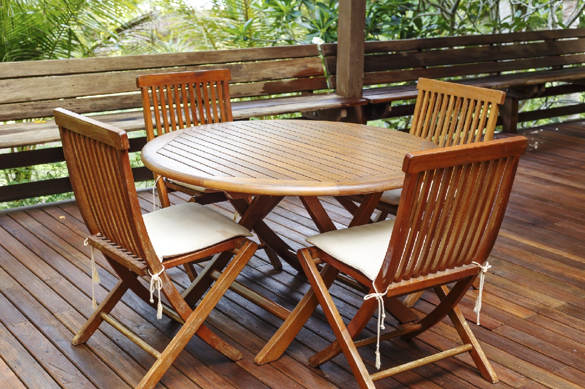 Summer home decorating ideas comfree blogcomfree blog - How To Clean Your Patio Furniture Blain 39 S Farm Fleet Blog